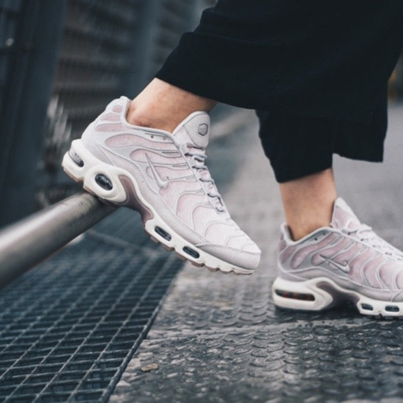 Nike Women's Air Max Plus LX Size 8 gently worn